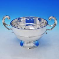 B2181:  Sterling Silver Bowl - William Hutton Hallmarked In 1913 London - George V - Image 1