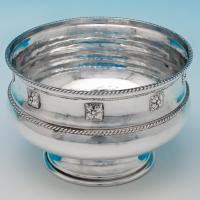 B6354: Antique Sterling Silver Bowl - Goldsmiths & Silversmiths Co. Hallmarked In 1907 London - Edwardian - Image 1