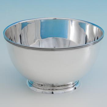 B6403:  Sterling Silver Bowl - Charles Edwards Hallmarked In 1918 London - George V - Image 1