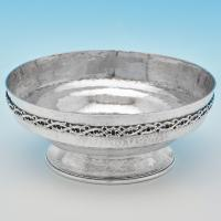 B7125:  Sterling Silver Bowl - Omar Ramsden Hallmarked In 1923 London - George V - Image 1
