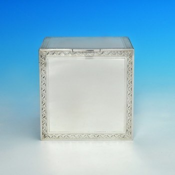 j6183: Sterling Silver Biscuit Box - R. Comyns Hallmarked In 1938 London - George VI  - image 1