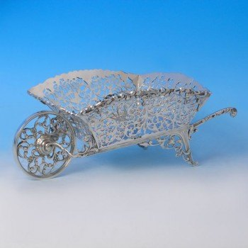 d8805: Sterling Silver Bread Dish - Nathan & Hayes Hallmarked In 1911 Chester - George V  - image 1