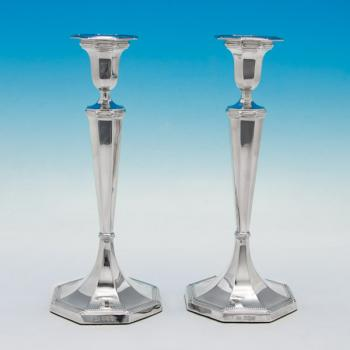 B5218:  Sterling Silver Pair Of Candlesticks - George Hancock Hallmarked In 1922 Sheffield - George V - Image 1