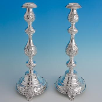 B6469:  Sterling Silver Pair Of Candlesticks - Jacob Rosenzweig Hallmarked In 1918 London - George V - Image 1