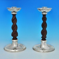 j7130: Silver Plate Pair Of Candlesticks - Connell Circa 1930 - George V  - image 1