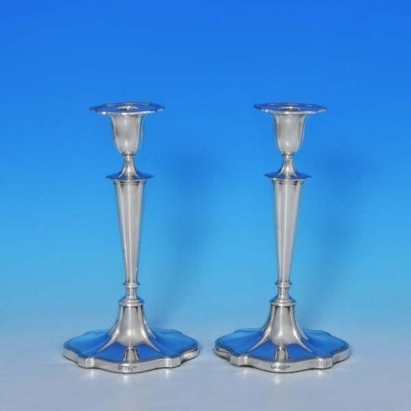 j8358: Antique Sterling Silver Pair Of Candlesticks - Walker & Hall Hallmarked In 1910 Sheffield - George V  - image 1