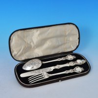 j7171: Antique Sterling Silver Childs Set - Martin Hall & Co. Hallmarked In 1879 Sheffield - Victorian - image 1