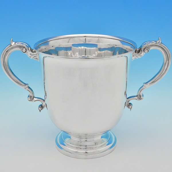 B6809:  Sterling Silver Cups - William Hutton Hallmarked In 1922 Sheffield - George V - Image 1