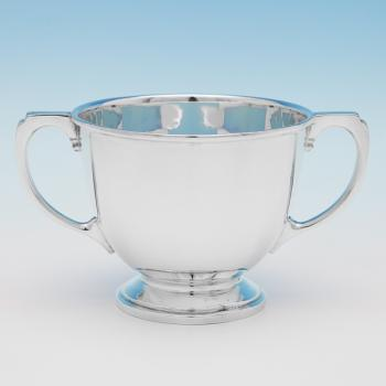 B9868:  Sterling Silver Cup - Cooper Brothers & Sons Hallmarked In 1937 Sheffield - George VI - Image 1