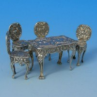 d9874: Sterling Silver Miniature Table And Chairs Set - Hallmarked In 1985 Birmingham - Elizabeth II  - image 1