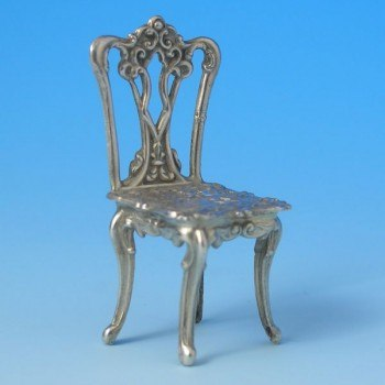 d9874a: Sterling Silver Miniature Table And Chairs Set - Hallmarked In 1985 Birmingham - Elizabeth II  - image 3