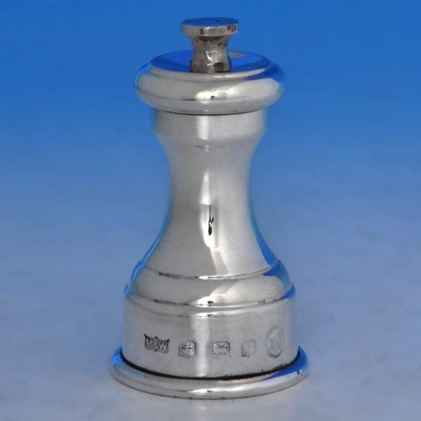 b0475: Sterling Silver Pepper Grinder - Mappin & Webb Hallmarked In 1953 Sheffield - Elizabeth II  - image 1