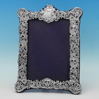 L0404: Antique Sterling Silver Photograph Frame - Henry Matthews Hallmarked In 1902 Birmingham - Edwardian - Image 1