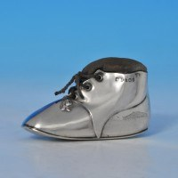 j8653: Sterling Silver Shoe Pin Cushion - Levi & Salaman Hallmarked In 1918 Birmingham - George V  - image 1