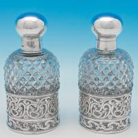 B6450: Antique Sterling Silver Pair Of Scent Bottles - William Hutton & Sons Hallmarked In 1903 London - Edwardian - Image 1