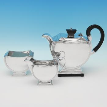 L0540:  Sterling Silver Tea Set - Walker & Hall Hallmarked In 1947 London - George VI - Image 1