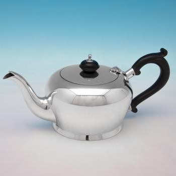B6091:  Sterling Silver Teapot - Josiah Williams & Co.  Hallmarked In 1939 London - George VI - Image 1