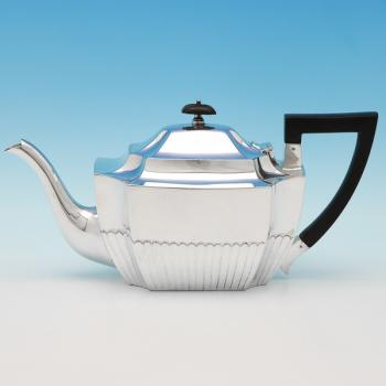 B9550: Antique Sterling Silver Teapot - William Hutton Hallmarked In 1901 London - Victorian - Image 1