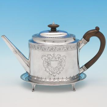 L0300: Antique Sterling Silver Teapot & Stand - P & A Bateman Hallmarked In 1792 London - Georgian - Image 1