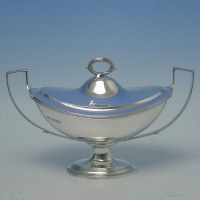 d2677: Sterling Silver Sauce Tureen - D. & J. Wellby Hallmarked In 1913 London - George V  - image 1