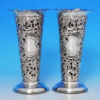 B1154: Antique Sterling Silver Pair Of Vases - William Hutton Hallmarked In 1902 Birmingham - Edwardian - Image 1