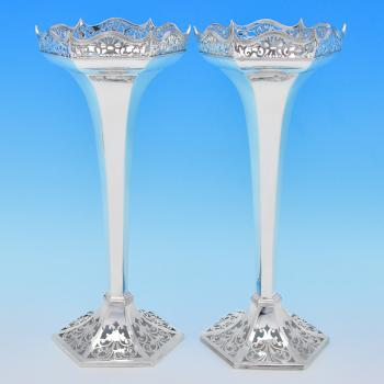 B7810: Antique Sterling Silver Vases - Walker & Hall Hallmarked In 1913 Sheffield - George V - Image 1