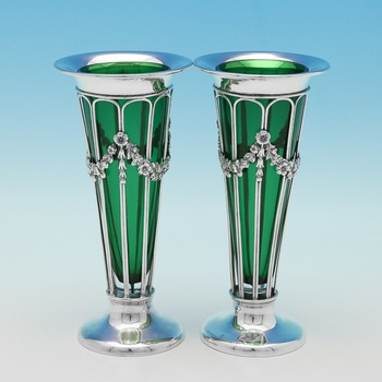 L0924: Antique Sterling Silver Pair Of Vases - Deakin & Francis Hallmarked In 1907 Birmingham - Edwardian - Image 1